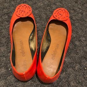 Show flat bright orange size 9.5